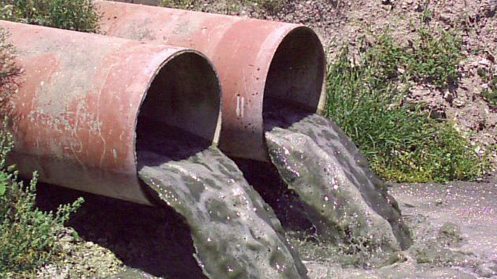 Суд запретил коммунальщикам сбрасывать воду в реки