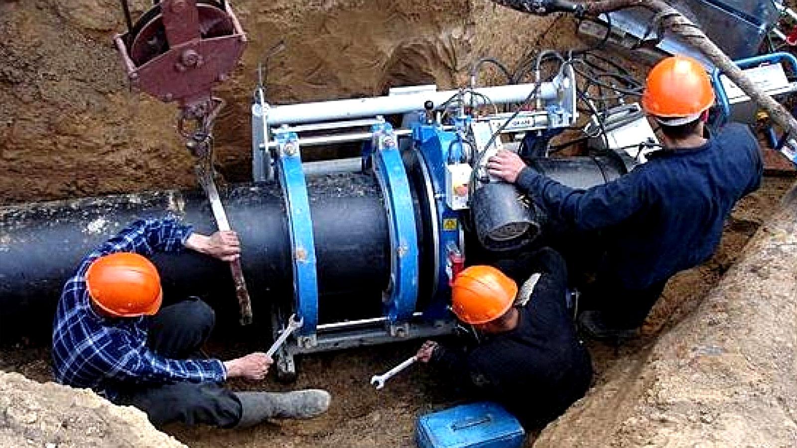 В Волгограде начались работы по замене старого участка водовода