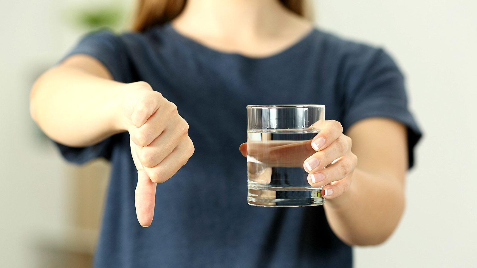 В Екатеринбурге люди отказываются пить воду из-под крана