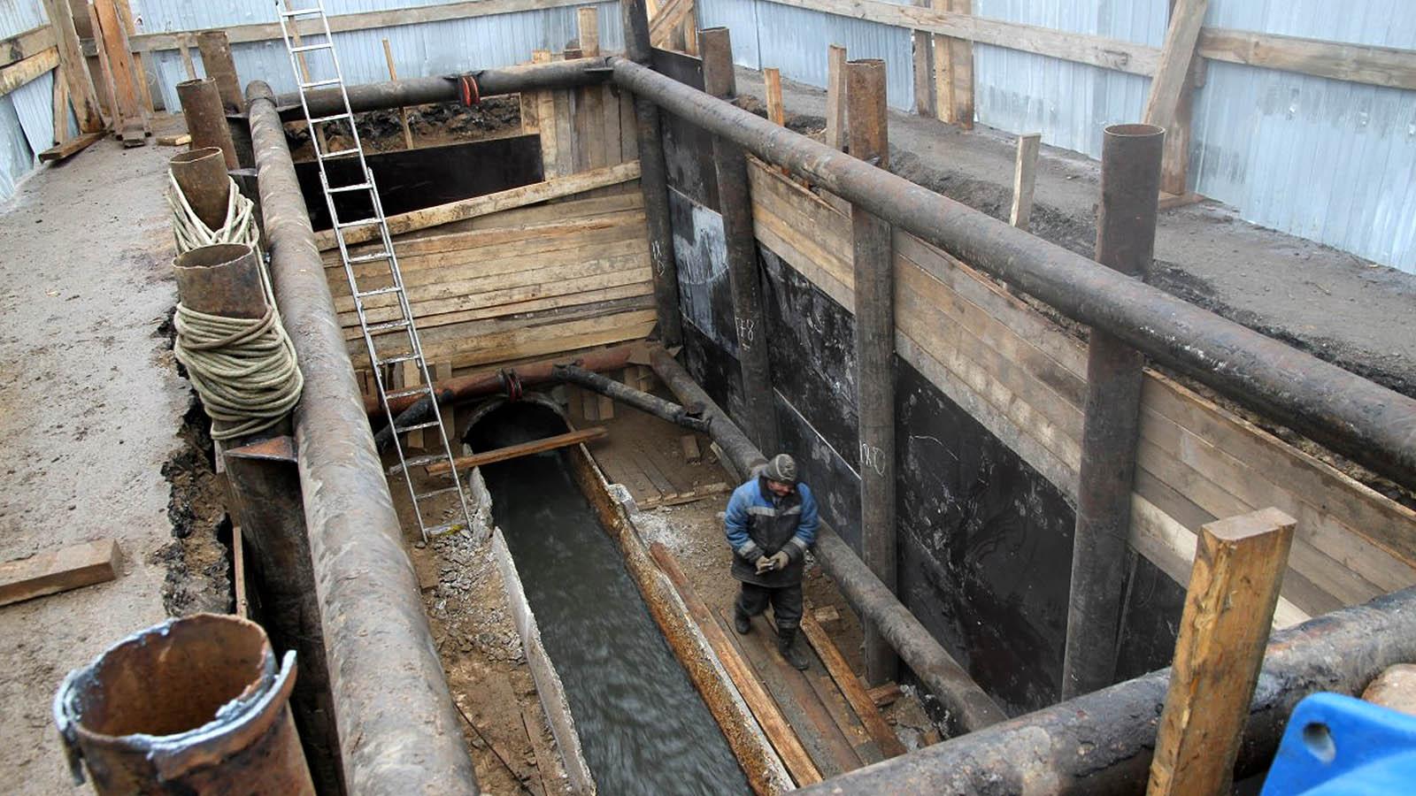 В Брянске меняют канализационный коллектор за 48 млн рублей